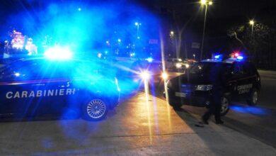 roma-scappano-carabinieri-provocano-incidente