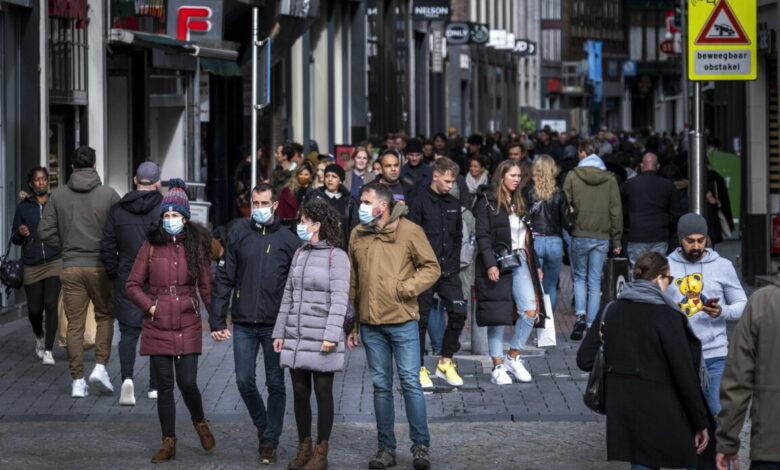 Covid, anche l'Olanda si arrende: in arrivo un nuovo lockdown