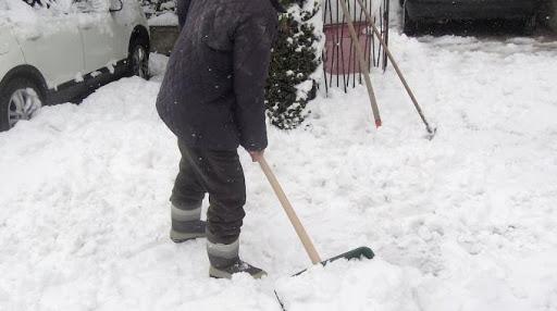 milano uomo infarto neve