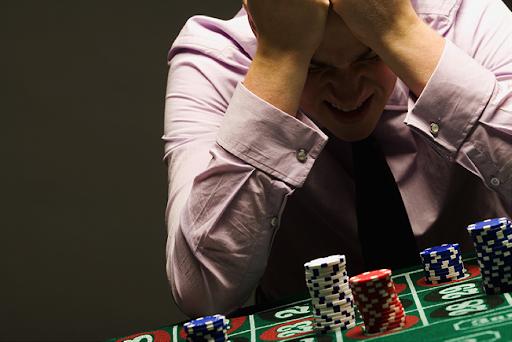 torino-ruba-soldi-gite-gioco-azzardo-docente-processo