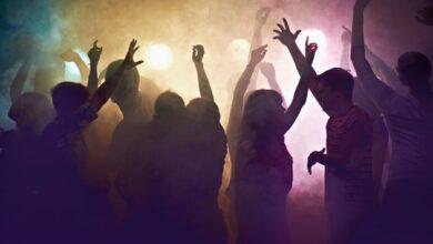 pavia-single-party-locale-chiuse-multa-titolare