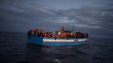 barcone-ribalta-lampedusa-salvati-migranti