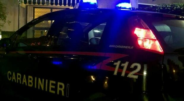 omicidio suicidio salluzzo uccide madre balcone