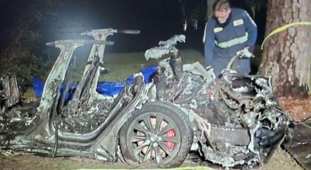 incidente-auto-senza-conducente-morti-passeggeri
