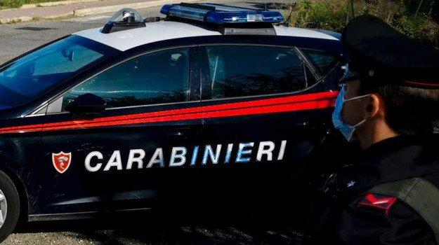 cosenza-assembramento-bar-carabinieri-multano-poliziotti