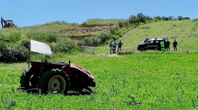 sud-sardegna-muore-schiacciato-trattore