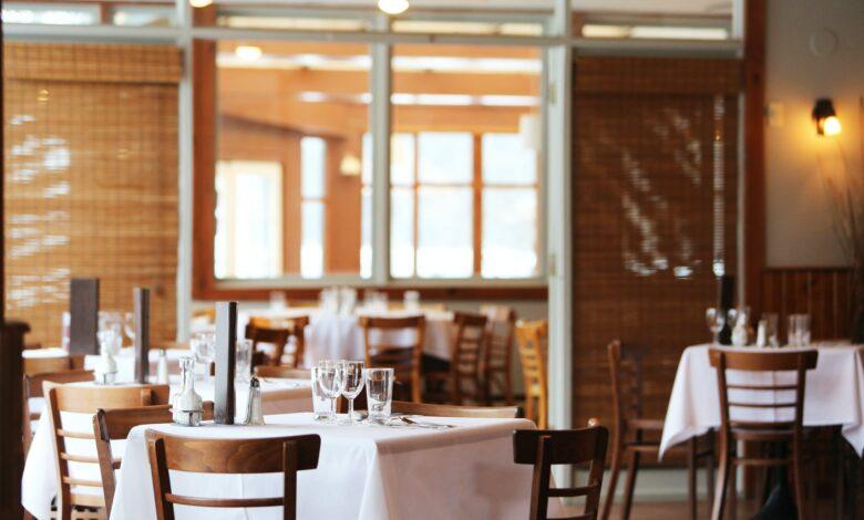 ristoranti-limite-quattro-persone-tavoli
