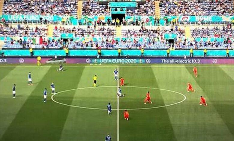 italia-austria-calciatori-inginocchiano-decisione-perche