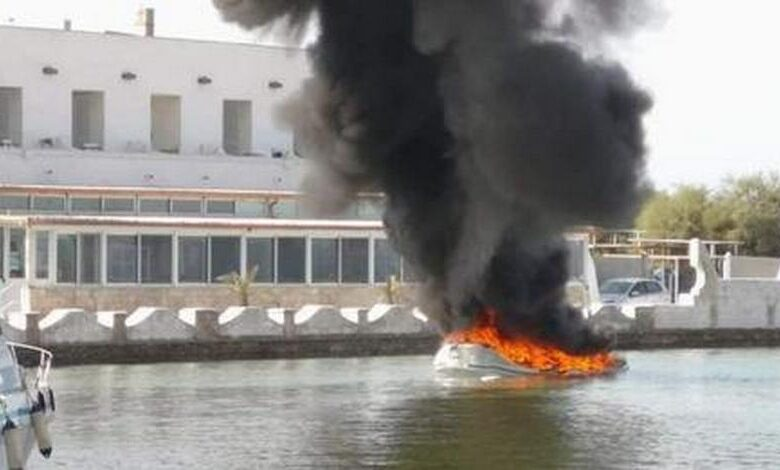 incendio-porto-cesareo-fiamme-gommone-otto-metri