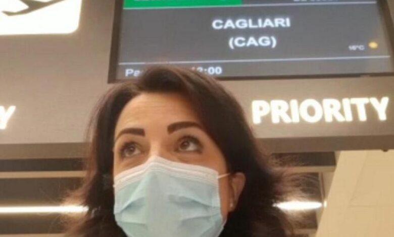 ultimo-volo-alitalia-hostess-piange